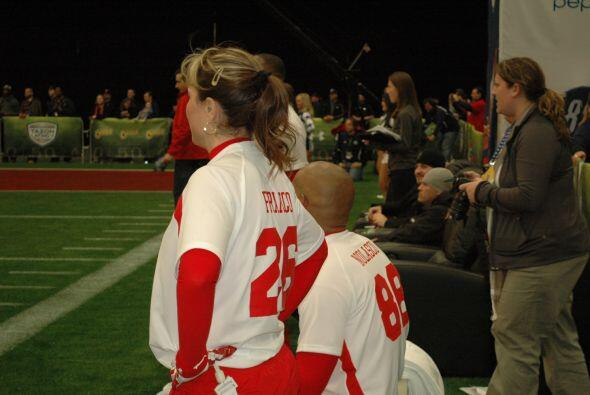 Rosana Franco representó a la 'República Deportiva' en la cancha.