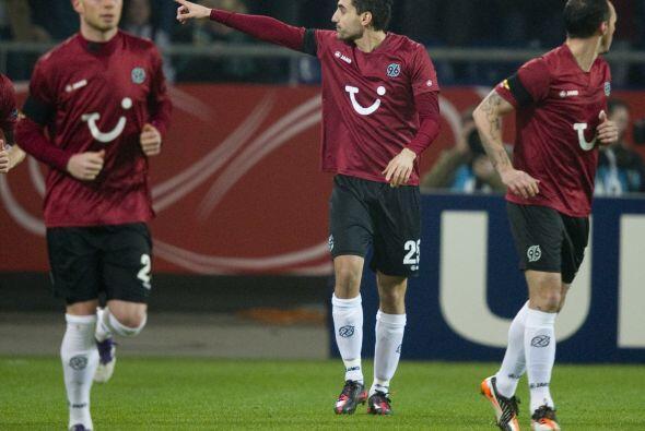 En el Hannover vs. Standard Lieja los alemane se adelantaron gracias a M...