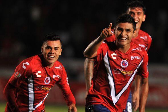 Edgar Andrade, el volante de Cruz Azul debutó con intensidad y destellos...