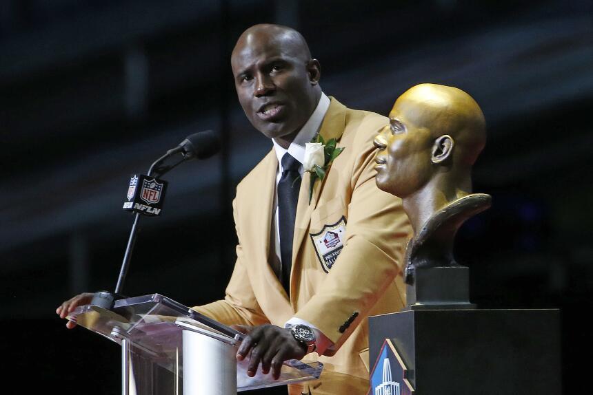La NFL tiene nuevos 'inmortales' en el Salón de la Fama AP Terrell Davis...