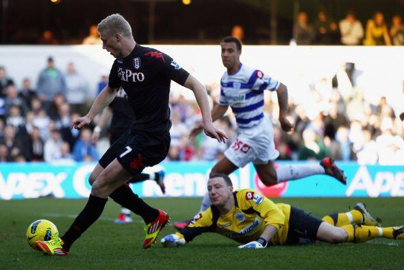 Fulham le ganó por la mínima, 1 a 0, al Queens Park Rangers.
