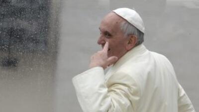 El Papa Francisco, durante un recorrido por la Plaza de San Pedro en ene...