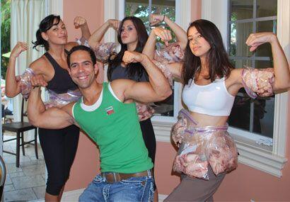 José y las chicas más que listos para darle duro y pelear contra la grasa.