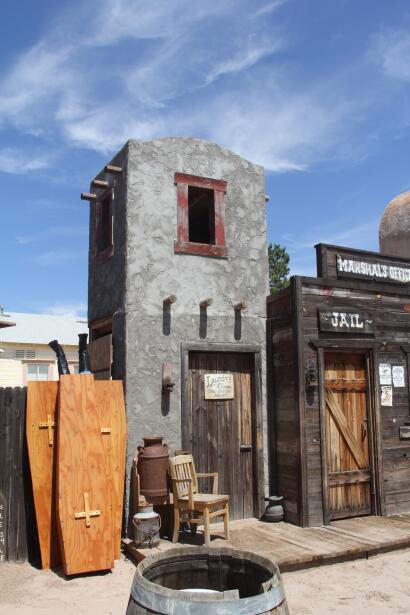 """Tombstone: """"Un pueblo duro para morir"""""""