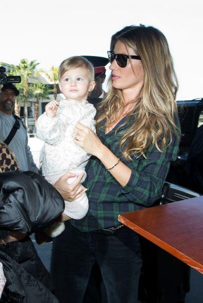 Gisele Bündchen y su preciosa bebé Vivian. Más videos de Chismes aquí.
