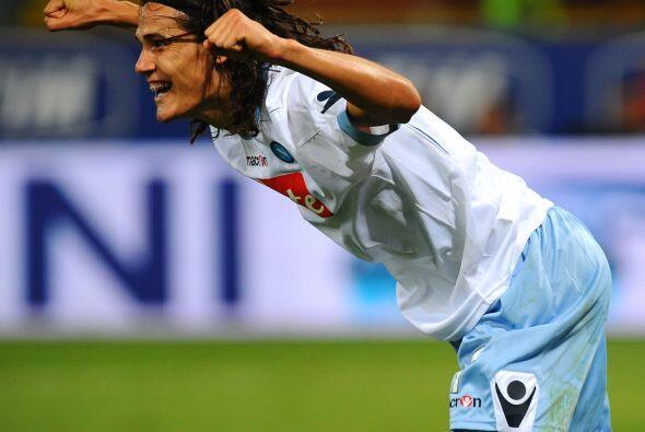 Y eso no fue todo, tres minutos después el uruguayo Edinson Cavani logró...