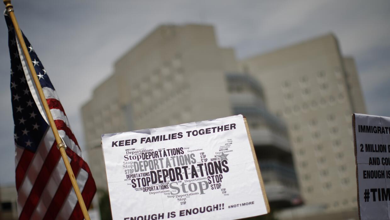 Protesta contra las redadas de inmigración.