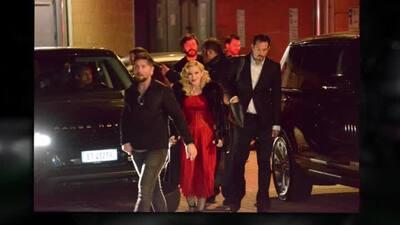 Después de la caída.... Madonna se levanta bien fashion en Milán