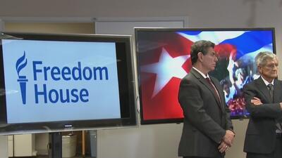 """Habilitan """"línea roja"""" para denunciar violaciones de derechos humanos en Cuba"""