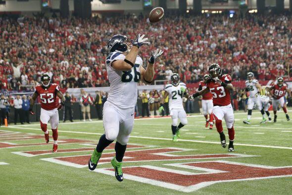 Otro touchdown de Seattle, Zach Miller lo logró al atrapar el ovoide.