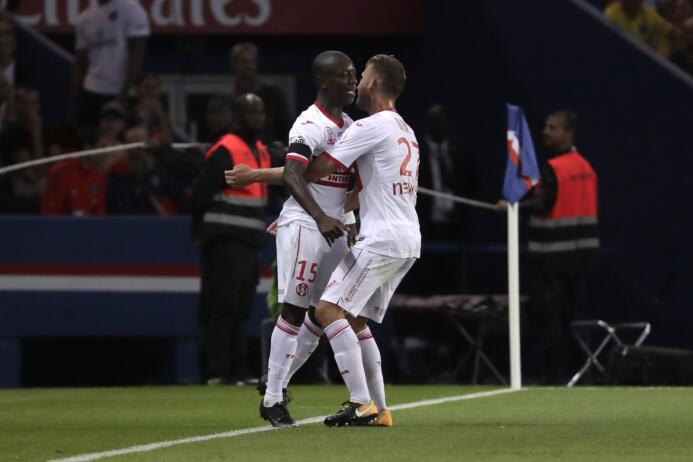 Con un doblete de Neymar, el PSG apabulló al Toulouse GettyImages-835926...
