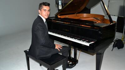 El joven cantante grabó su primer videoclip.