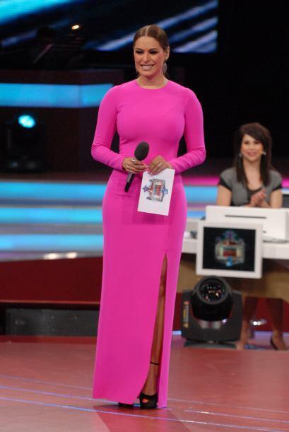 ¡OMG! Este vestido rosa fluorecente era muy entalladito...