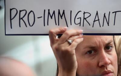 ¿Cómo pueden ayudar los ciudadanos estadounidenses a los inmigrantes ind...
