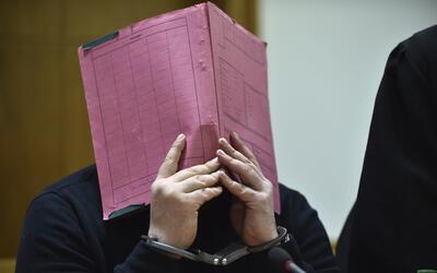 Imágenes del enfermero Niels Hoegel durante el juicio llevado a c...