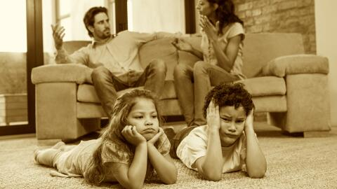 We should choose to deal with divorce in a way that least affects our li...