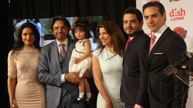 La familia Derbez contará su vida en divertida bioserie