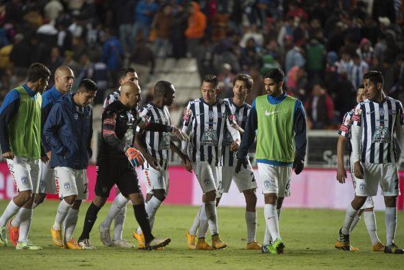 """Encabezados por el guardameta, """"scar Pérez, los jugadores del Pachuca se..."""