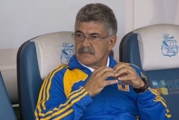 El campo de los Pumas no le sienta del todo bien a Ricardo Ferretti diri...