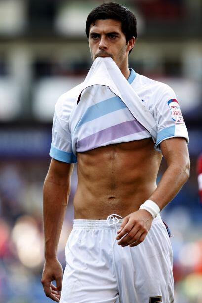 A James Tomskins, del West Ham, le dio hambre mientras jugaba contra el...