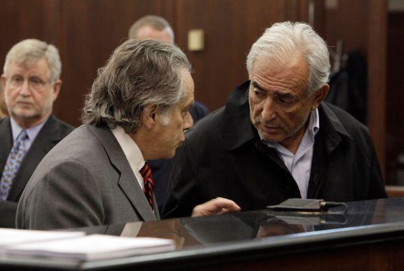 23 de agosto de 2011: El juez Michael Obus acepta una interposición de l...