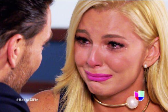 Tú no llores Sofía, ese malvado hombre no se merece tu llanto.