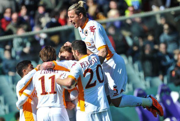 Pero el propio Totti volvió a marcar y de este modo Roma y Fiorentina ig...