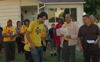 Grupo de inquilinos de Downey denuncian haber sido amenazados y acosados...