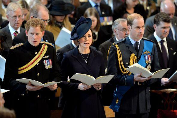 Harry también portó su uniforme.