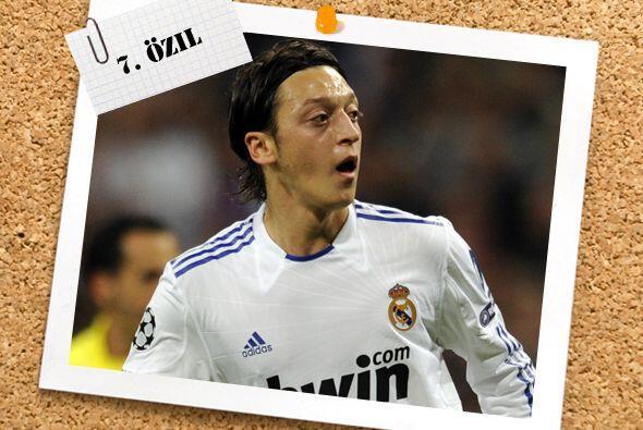 Además de su fortuita anotación, el alemán Mesut Özil dio un gran juego...