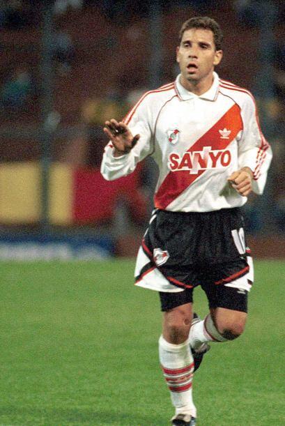 Alberto García Aspe si bien no pudo cruzar el Atlántico para jugar en Eu...