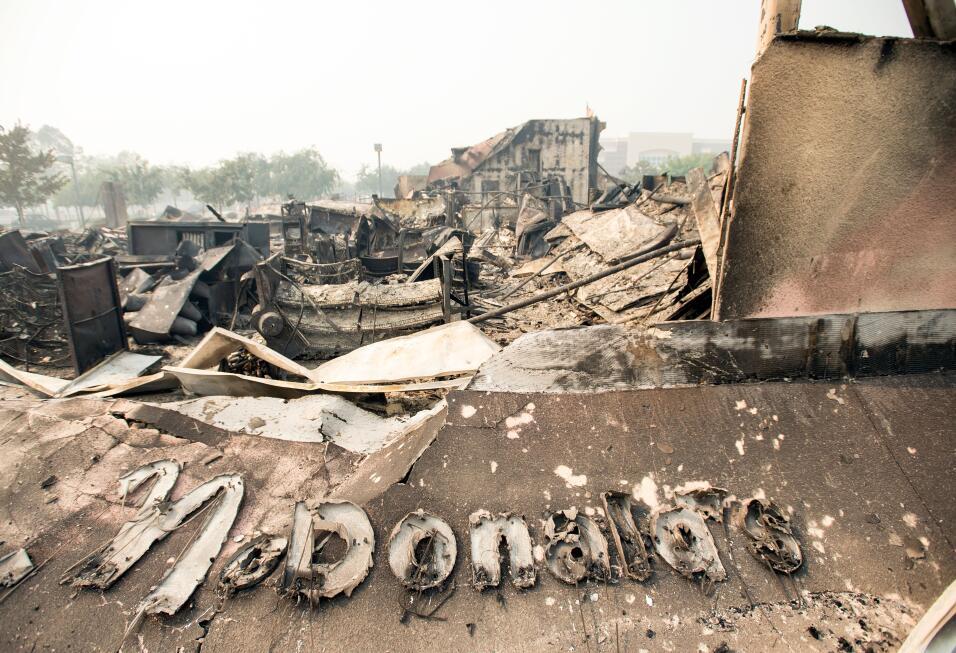 Un restaurante McDonald's quedó reducido a cenizas por el fuego q...