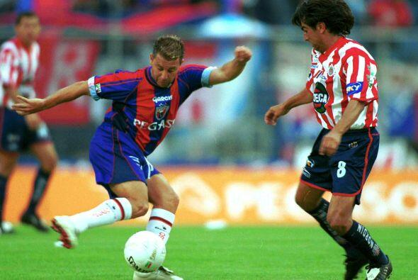 """Para el Invierno del 2001 el """"Turco"""" jugaba con Atlante y los Potros sal..."""