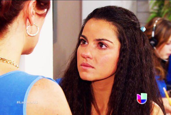 'El Italiano' (Carlos Bonavides) también se muere de amor por ella, pero...