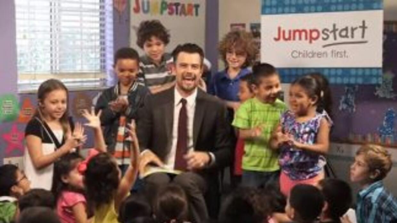 El actor de televisión y cineJosh Duhamelse une con Jumpstart para ll...