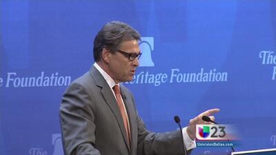 Rick Perry arremete otra vez contra Obama
