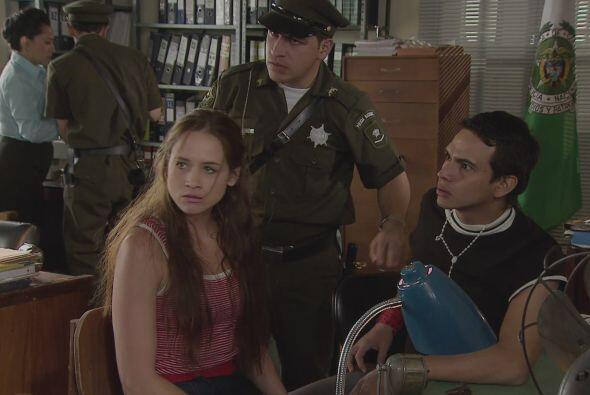 Los ex amigos de Cejas y rivales de Griselda, deciden traicionar a la ba...