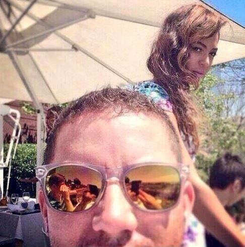 En Nueva York este hombre se tomó una selfie justo cuando Beyoncé pasaba...