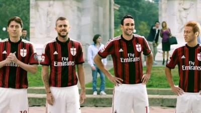 Los futbolistas participaron en una campaña publicitaria de neumáticos