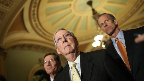Mitch McConnell es considerado el autor intelectual del proyecto de ley...