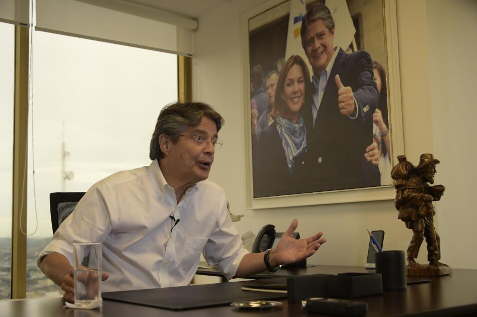 Lasso renunció al banco en el 2012. Fue vocal de la Junta Monetaria, Gob...