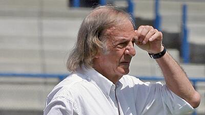 """Así reaccionó Luis Omar Tapia al """"Los periodistas no son técnicos"""" de Menotti"""