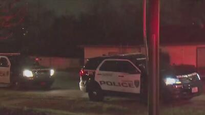 Arrestan a un sujeto que intentó huir de la policía tras cometer varias infracciones de tránsito