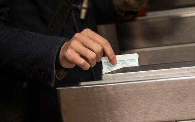 Proponen reducir el costo de la tarifa del metro para las familias más p...