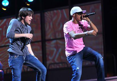 El joven derrochará energía al lado del ritmo reggaetonero de Flex.