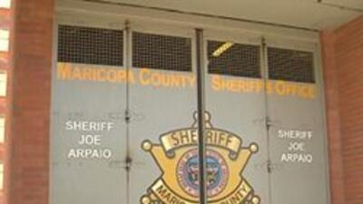 Frente de la carcel del condado maricopa