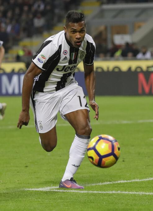 Alex Sandro, de la Juventus, también podría llegar al Chelsea en la Prem...