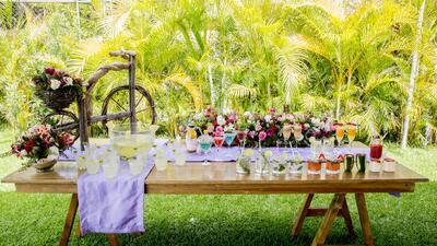 Una barra y diez cócteles: colores, fruta, variedad y frescura para las bodas de verano
