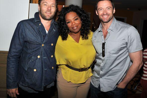 Con los actores Joel Edgerton y Hugh Jackman en el verano de 2012.  Mira...