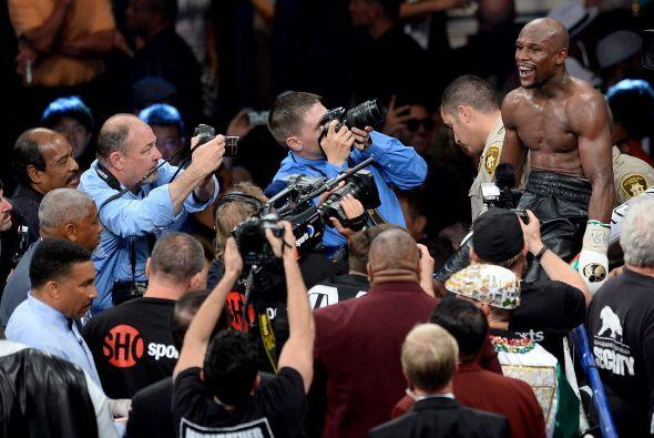 Floyd Mayweather Jr. sacó a relucir todo su boxeo, maestrí...